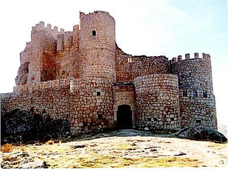 Guiarural. La leyenda del castillo de Manqueospese (Ávila). Manqueospese.jpg