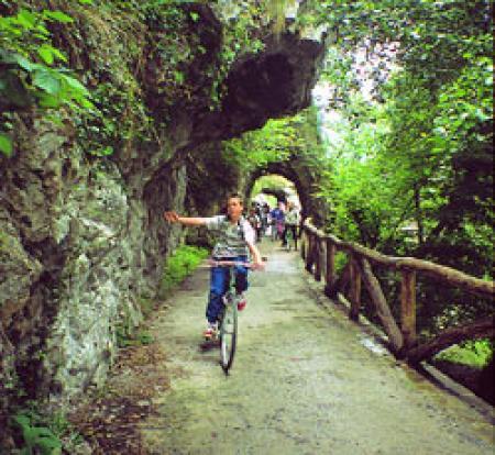 Guiarural. La senda del oso en Teverga. img_20100505171501.jpg