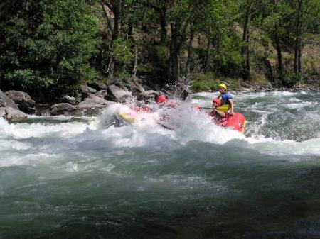 Guiarural. Rafting en el Noguera Pallaresa. img_20100514181033.jpg