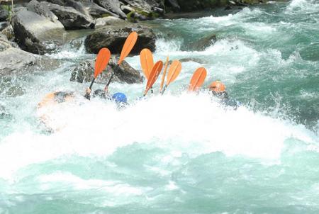 Guiarural. Rafting en el Noguera Pallaresa. img_20100514181110.jpg