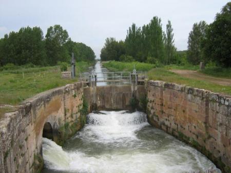 Guiarural. El Canal de Castilla, un espacio natural de 207 km de largo. img_20100720174243.jpg