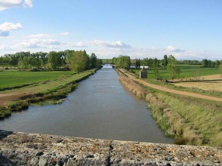 Guiarural. El Canal de Castilla, un espacio natural de 207 km de largo. img_20100720174400.jpg