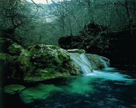Guiarural. El nacedero del Urederra, un lugar mágico en la Sierra de Urbasa. img_20101017200414.jpg