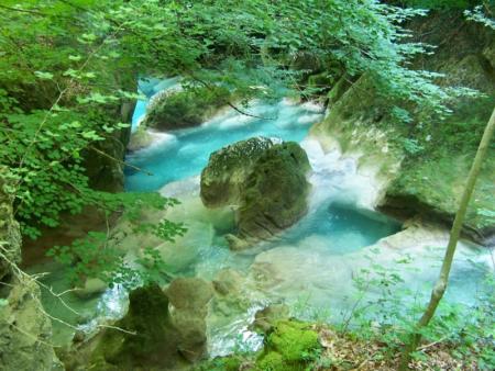 Guiarural. El nacedero del Urederra, un lugar mágico en la Sierra de Urbasa. img_20101017200451.jpg