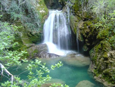 Guiarural. El nacedero del Urederra, un lugar mágico en la Sierra de Urbasa. img_20101017200523.jpg