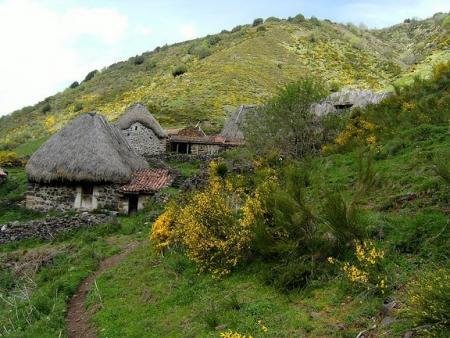 Guiarural. La comarca Vaqueira, la Asturias más ancestral. img_20101208140559.jpg
