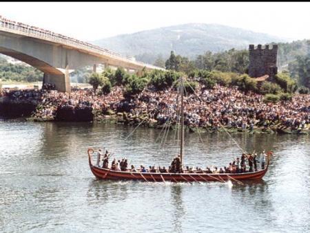 . La romería vikinga de Catoira (7 de Agosto). img_20110730132202.jpg