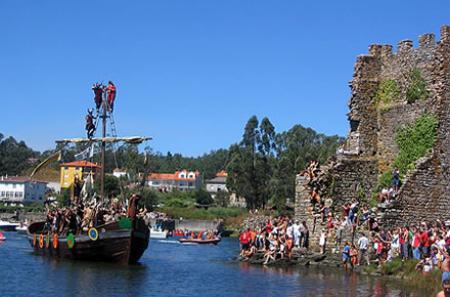 . La romería vikinga de Catoira (7 de Agosto). img_20110730132235.jpg