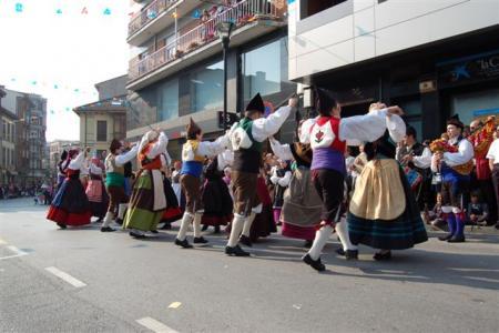 . Los Güevos Pintos de Pola de Siero. img_20120406093923.jpg