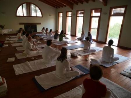 Guiarural. Yoga y cocina vegetariana 23/25 Abril. img_20100220200126.jpg