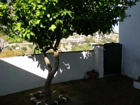 Guiarural. Más fotos de Alojamiento rural Don Claudio. img_20101118173325.jpg