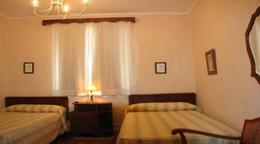 Guiarural. ASTURIAS CASA 4 PLAZAS 55€ DIA. dormitorio1_2.jpg