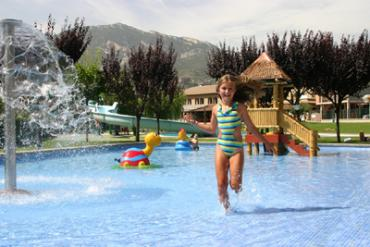Guiarural. Berga resort The Mountain & Wellness Center. piscinaestiupetitaHRS.jpg