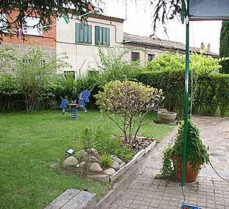 Guiarural. Más fotos de La Encinilla. img_20100325130108.jpg